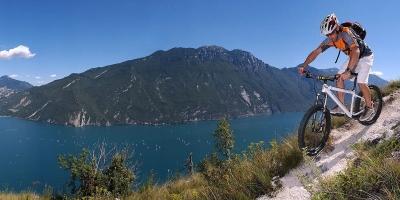 Vivi una Vacanza all'insegna dello Sport sul Lago di Garda
